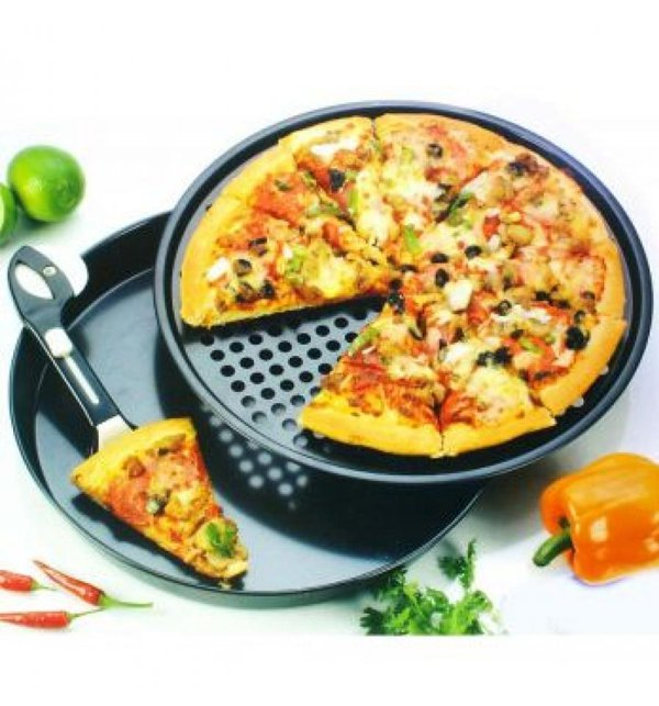 Non-Stick Pizza Pan - (Set of 3 Pieces) Price in Pakistan