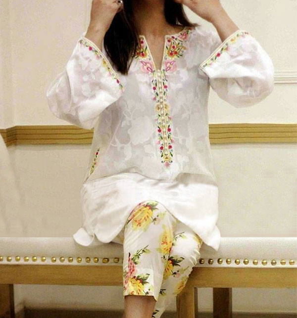 2PCS Lawn Heavy Embroidery Suit With Beautiful Embroidery Trouser (DRL-471) (Unstitched)