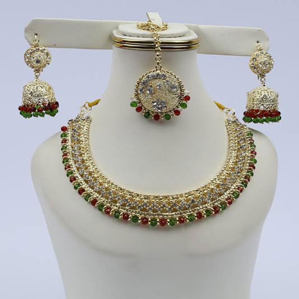 Golden Jewellery Set with Matha Patti (PS-118)